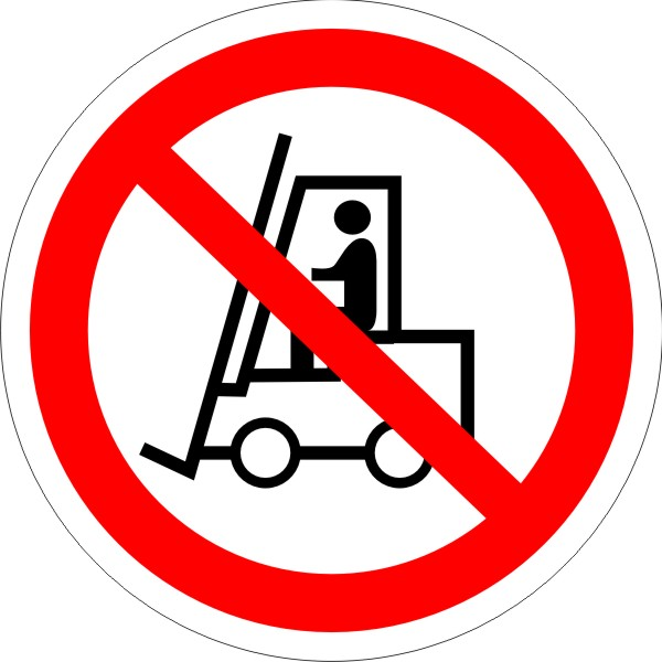 P 07. Запрещается движение средств напольного транспорта